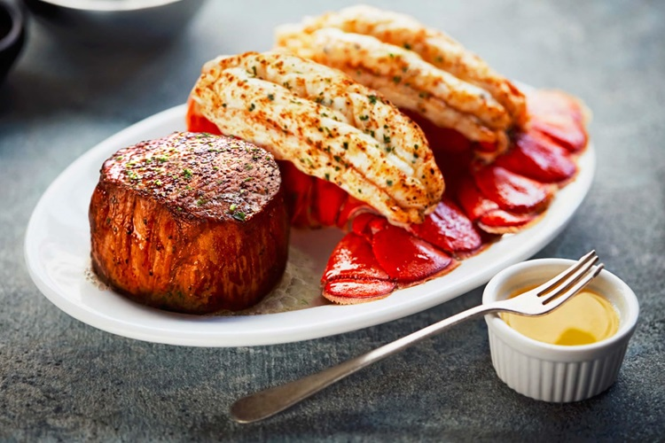 8 oz. Filet and Twin Lobster Tails